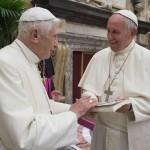 Fundação Ratzinger faz doação ao Papa Francisco