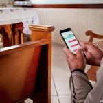 Ao usar o celular na igreja, é preciso coerência