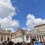 Papa recorda Síria, trabalhadores e pede punição para quem abusa de menores