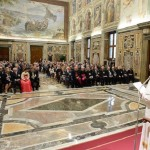 Francisco exorta Fundação Pontifícia a combater a pobreza