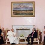 Aos diplomatas armênios, Papa pede empenho pela paz