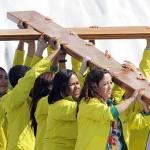 Cruz da JMJ prepara jovens de todo mundo para encontro com o Papa