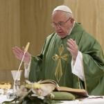 Rezemos pelos inimigos, convida Papa em homilia