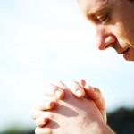 Atitudes que ajudam a rezar