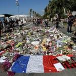Papa telefona ao prefeito de Nice e oferece seu apoio